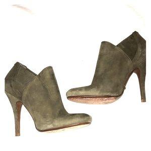 Schutz Size 6 Green Suede Ankle Booties Heels